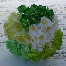 Wild Orchid Crafts - Mulberry Cherry Blossoms / Green & White Mix (50 stk.)